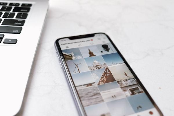 Smartphone social media feed aesthetic